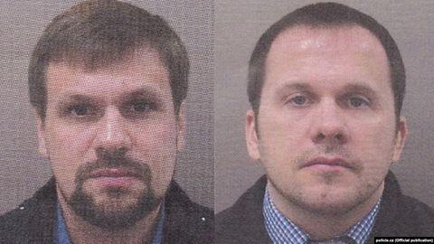 """Die tschechische Polizei fahndet mit diesen Fotos nach einem """"Ruslan Boshirow"""" und """"Alexander Petrow"""". Mit dengleichen Fotos von """"Boshirow"""" und """"Petrow"""" fahnden seit2018 die britischen Behörden nach den beiden Männern."""