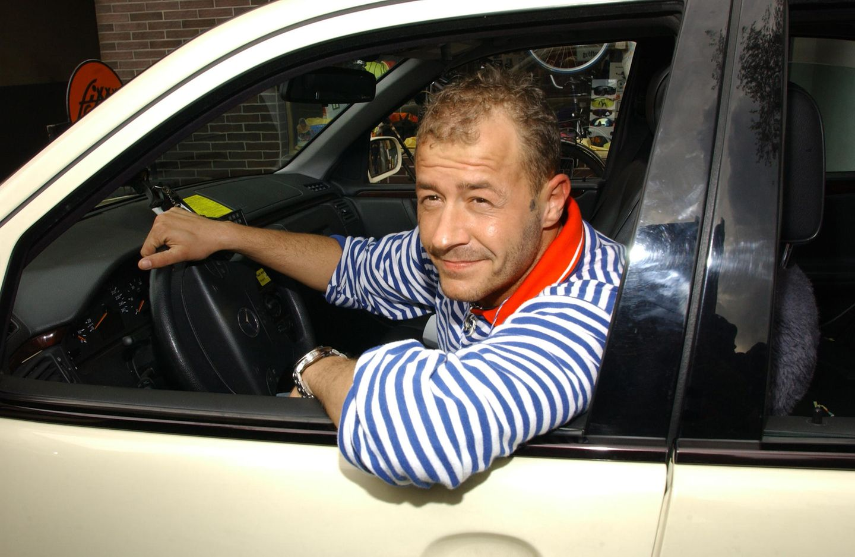 """Mit dieser Rolle wurde Willi Herren bekannt: Als Fiesling Olli Klatt stand er zwischen 1992 und2007 in 170 Folgenin der """"Lindenstraße"""" vor der Kamera."""