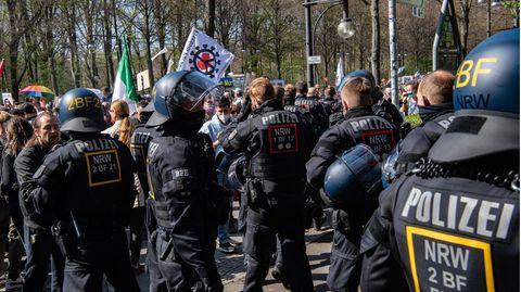 Polizei auf Coronavirus-Demo