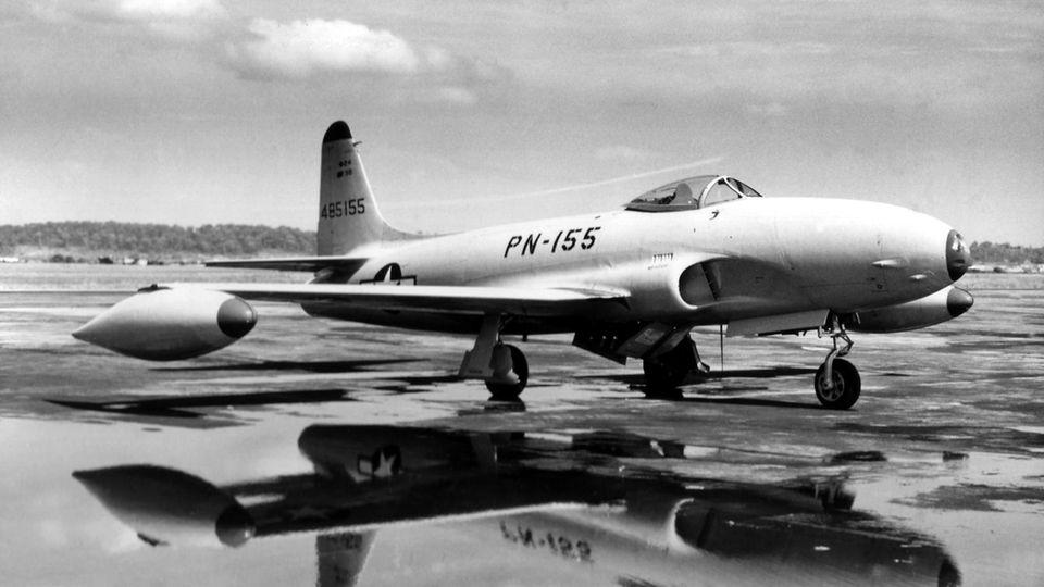 DieF-80 Shooting Star wurde 1943 konzipiert. Die Jets der ersten Generation hatten keine Chance gegen die MiG-15.