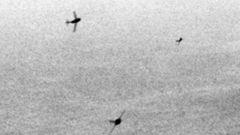 MiG-15 schwenken zum Angriff ein.