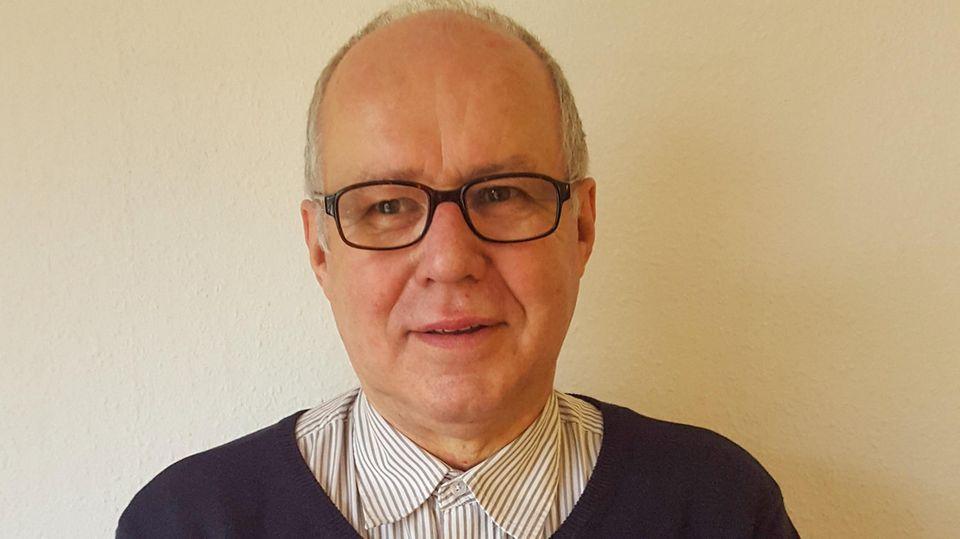 Der aus Südbaden stammende Historiker Harry Waibel hat sich einen Namen als Experte für Rassismus in der DDR gemacht. Er setzte 2014 die These vom durch die Stasi vertuschten Neonazi-Mord an Manuel Diogo in die Welt.