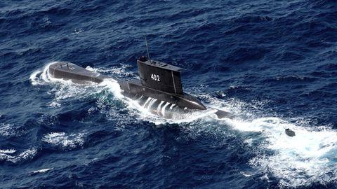 Das U-Boot KRI Nanggala der indonesischen Marine fährt in den Gewässern vor Ost-Java