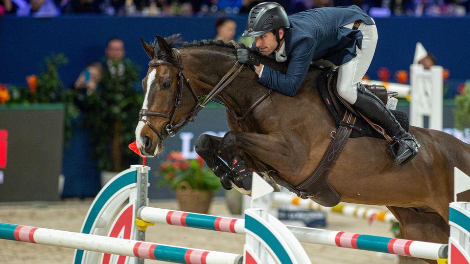 US-Springreiter Andrew Kocher wurde vom Weltreiterverband FEI, aufgrund von Misshandlung seiner Pferde, für zehn Jahre gesperrt.