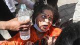 Indien, Neu Delhi: Eine Frau trauert im Golden Hospital in Jaipur