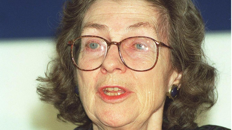 Die Biologin Anne McLaren bei einer Konferenz im Jahr 1998.