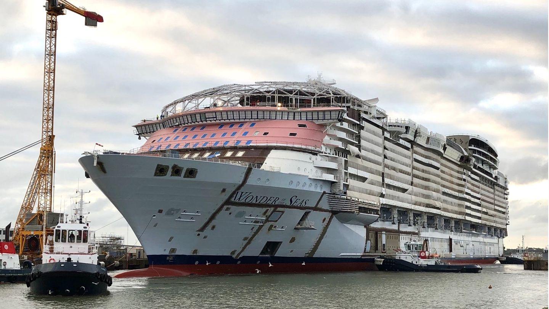 """Bild 1 von 10der Fotostrecke zum Klicken: Die""""Wonder of the Seas"""" wird auf der WerftChantiers de l'Atlantique in Saint-Nazaire in Frankreich gebaut."""