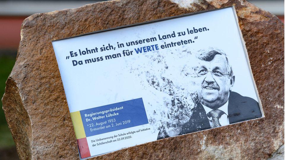 Gedenkstein für den ermordeten Kassler Regierungspräsidenten Walter Lübcke