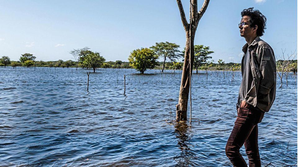 Felix Finkbeiner an der überschwemmten Senke auf Las Americas 1