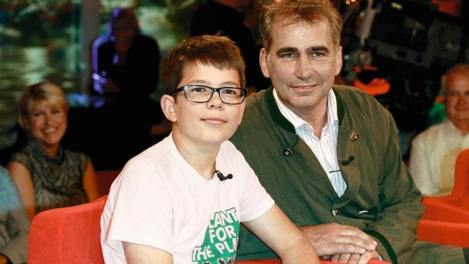 Felix als 14-Jähriger mit seinem Vater bei einem TV-Auftritt