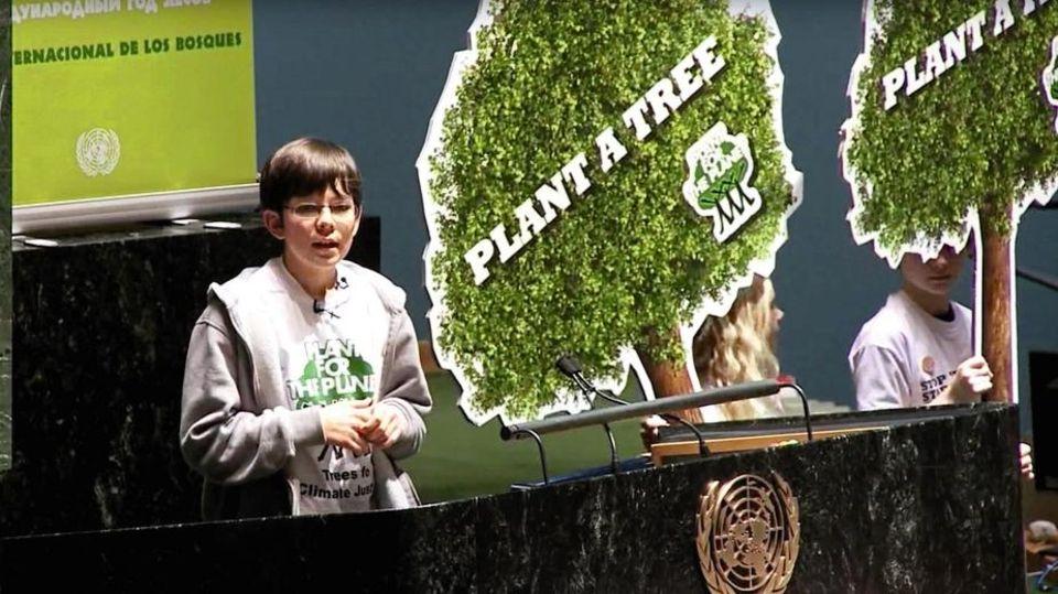 Als 13-Jähriger hält Felix Finkbeiner im Februar 2011 eine Rede vor der UN