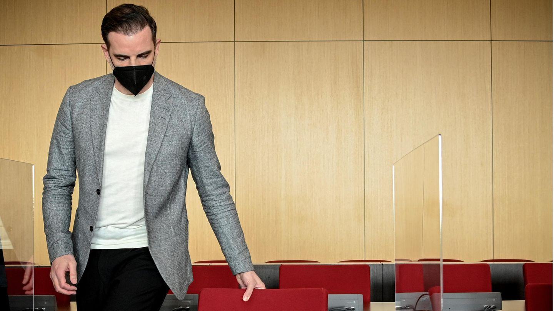 Ex-Fußballnationalspieler im Düsseldorfer Amtsgericht