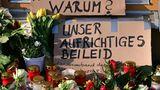 Blumen und ein Schild in Potsdam