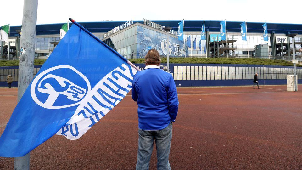 Fussball-Bundesliga: Nach 30 Jahren steigt Schalke 04 ab. Das trifft nicht nur die Fans, sondern eine ganze Region