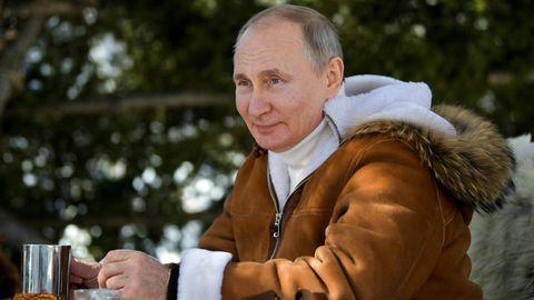 Wladimir Putin bei einem inszenierten Ausflug in die Taiga
