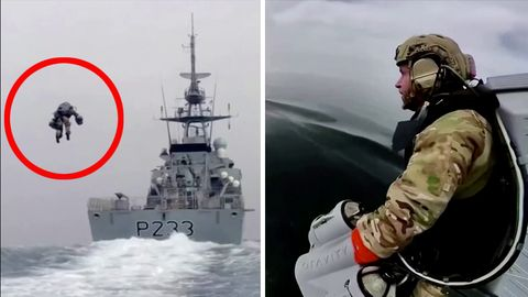 Links fliegt ein einzelner Mensch über das Meer auf das Heck eines Kriegsschiffes zu, rechts trägt ein Soldat einen grauen Tank