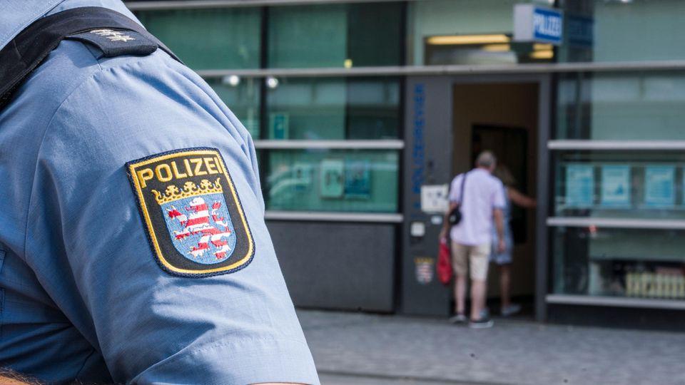 """""""NSU 2.0"""": Polizeirevier in Frankfurt"""