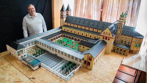 Lego News: Reinhold Dukat und sein 2,5-Millionen-Steine-Kunstwerk
