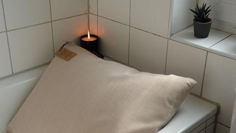 Das Badesofa aus DHDL in der Badewanne