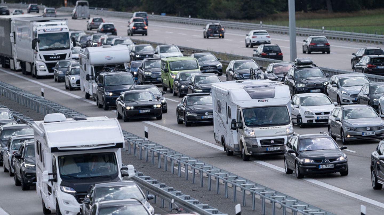Dichter Verkehr auf der Autobahn.
