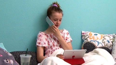 Experten warnen: Durch Corona hat die Mediennutzungszeit bei Kindern extrem zugenommen.