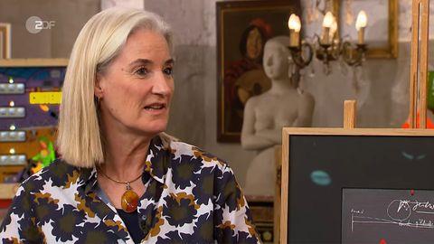 Friederike Werner steht im Studio von Bares für Rares in Pulheim