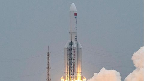 Chinas Rakete beim Start Ende April