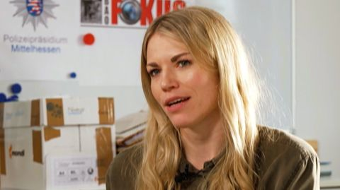 """Kommissarin Sarah Schneider aus der Sondergruppe """"BAO FOKUS"""" kämpft gegen Kinderpornografie"""
