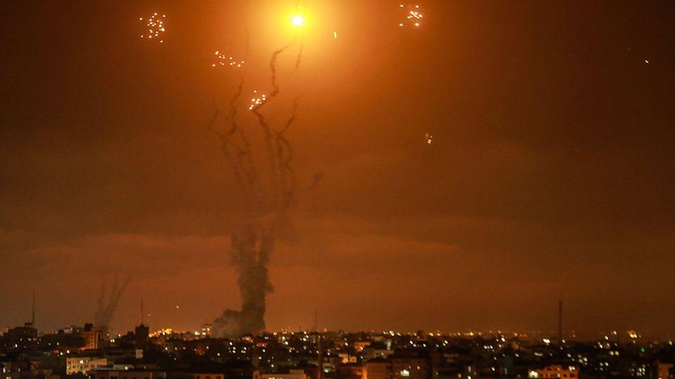 Israels Luftabwehrsystem fängt Raketen ab