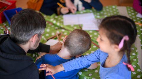 Kinder während der Freizeitbetreuung der Arche in Berlin Hellersdorf