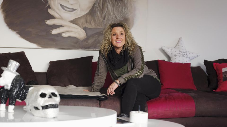 Sängerin und Altenpflegerin  Daniela Alfinito