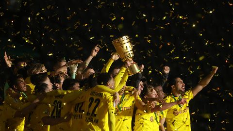 BVB nach Pokalsieg