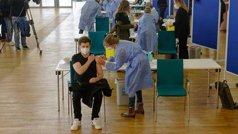 Reger Impfbetrieb in der Ditib-Zentralmoschee im Kölner Stadtteil Ehrenfeld