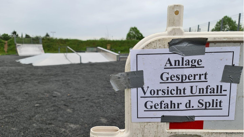 Mit Rollsplit bedeckte Skateranlage in Dieburg