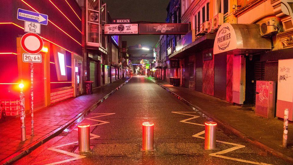 Große Freiheit in Hamburg wegen der Coronavirus-Pandemie menschenleer