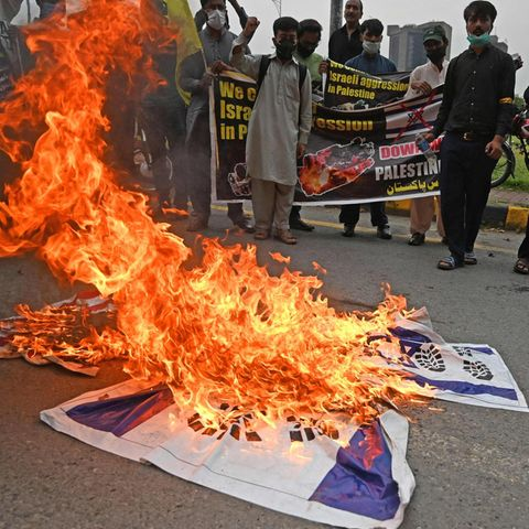 News von heute: Zentralrat der Muslime verurteilt antisemitische Proteste