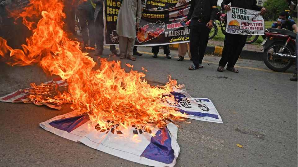 Israel USA Flaggen brennen