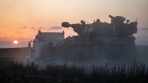 Militärfahrzeuge der israelischen Armee