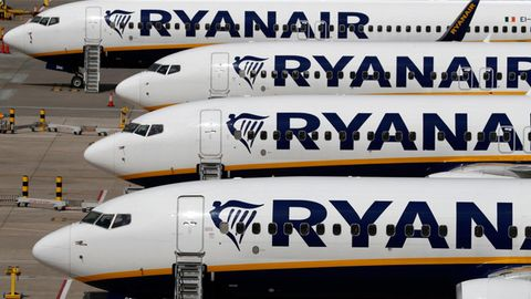 Jets von Ryanair am Stansted Airport bei London