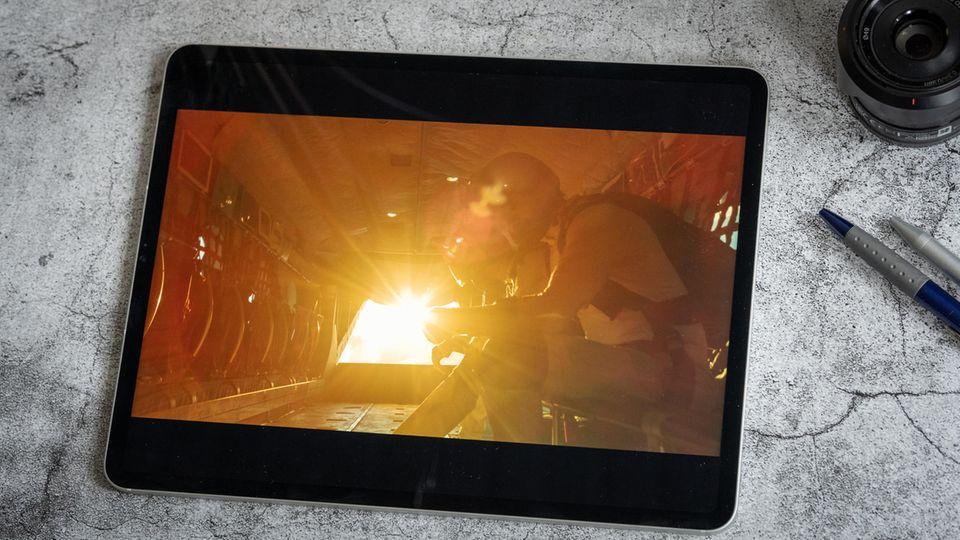 Das Mini-LED-Display des iPad pro (12,9 Zoll) erreicht Spitzenwerte von mehr als 1000 nits.