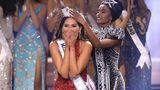 Eine glückliche Miss Universe:die26-jährige Mexikanerin Andrea Meza bekommt bei dem Schönheitswettbewerb in Florida die Krone aufgesetzt.