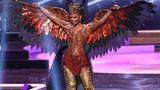 Eine Aufgabe lautete auch, in traditionell angehauchten Kostümen vor die Jury zu treten. Darunter verstand jede Teilnehmerin etwas anderes. MissUniverse USA Asya Branch entschied sich für ein Flügelkostüm - und wollte damit wohl an einen Adler erinnern.