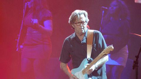 Eric Clapton während eines Konzerts im US-amerikanischen Sacramento.