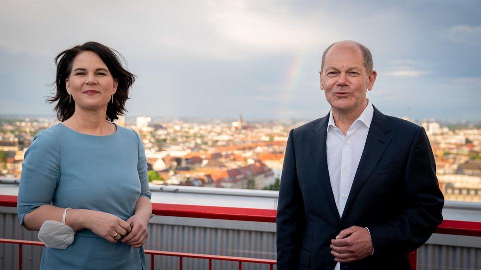 Annalena Baerbock, Kanzlerkandidatin von Bündnis 90/Die Grünen, und Olaf Scholz, Kanzlerkandidat der SPD