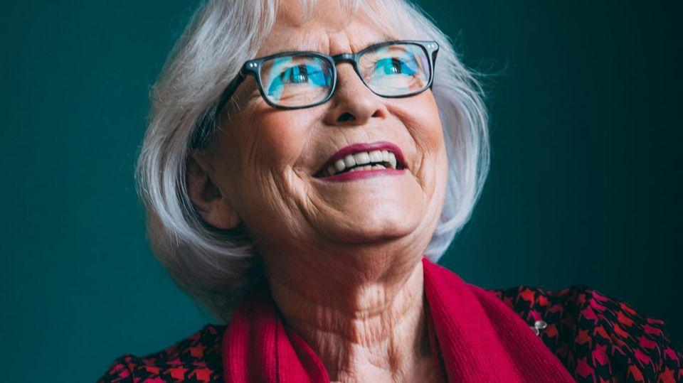 Ingeborg Rakete-Dombek ist eine der bekanntesten Scheidungsanwältinnen Berlins. Ihre Kanzlei wird von anderen Anwälten oft empfohlen