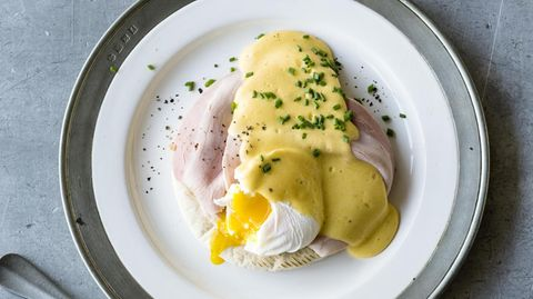 Voila: Eggs Benedict