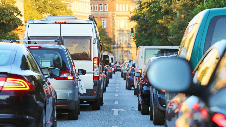 Immer mehr Bürger rebellieren gegen Staus und schlechte Luftqualität, die Städte müssen sich schnell ändern.