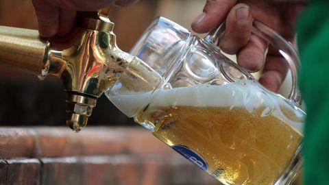 In den Brauereien wird wieder Bier abgefüllt