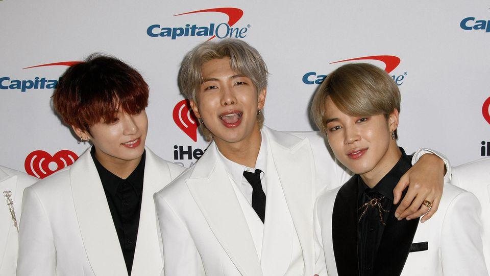 BTS-Sänger Jimin mit Bandkollegen