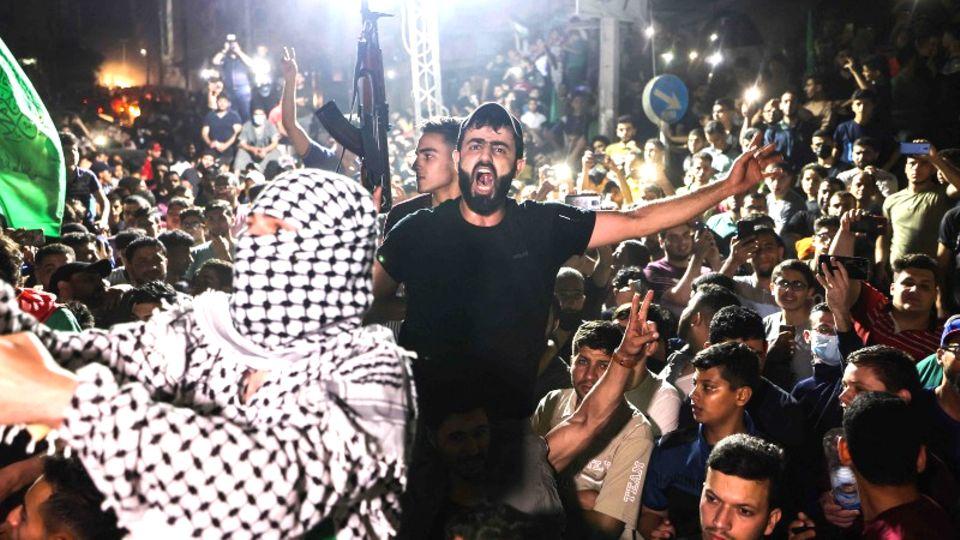 Palästinenser feiern die Waffenruhe mit Israel